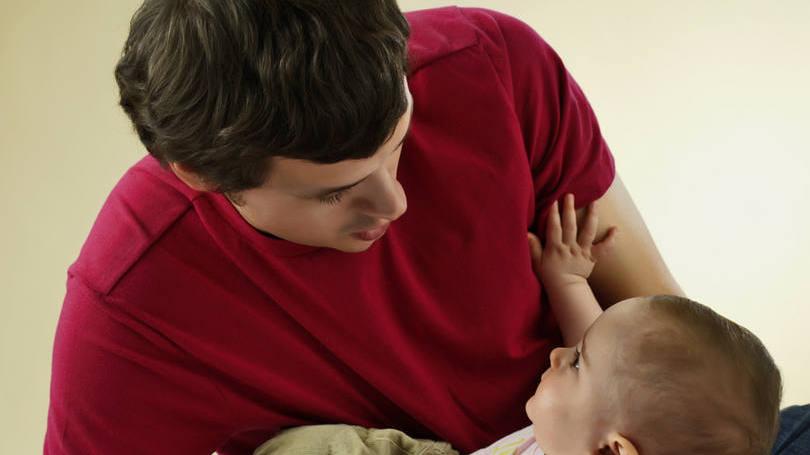 Paternidade: a proposta pode estender a licença paternidade de cinco para até 20 dias